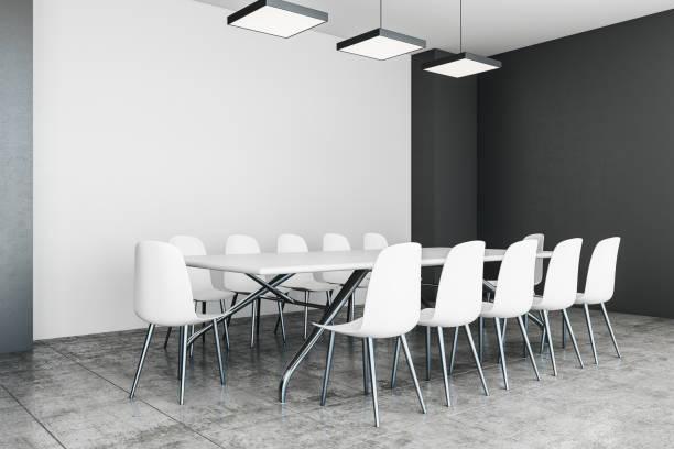 Moderner Tagungsraum mit Exemplar – Foto