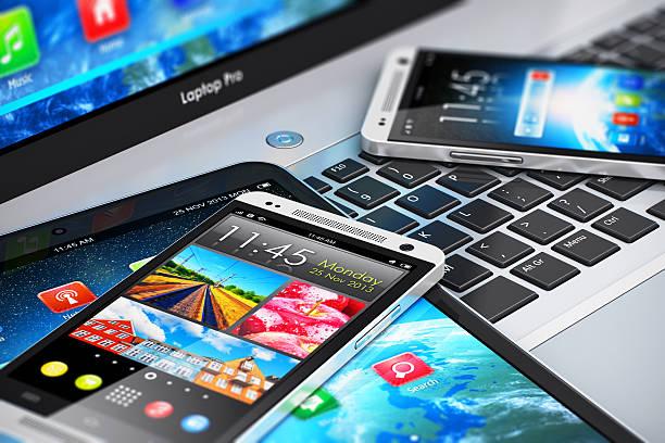 Modernos dispositivos móveis - foto de acervo