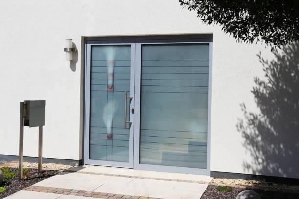 Moderne neue Vollverglasung Haustür – Foto