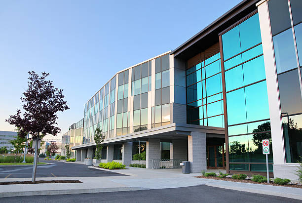 Moderne Bürogebäude Außenansicht – Foto