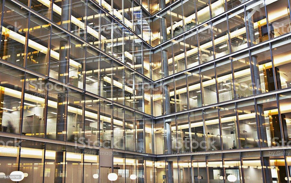 近代的なオフィスビルの外観 ロイヤリティフリーストックフォト