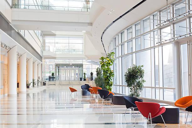 escritório moderno building- lobby - arranha céu - fotografias e filmes do acervo
