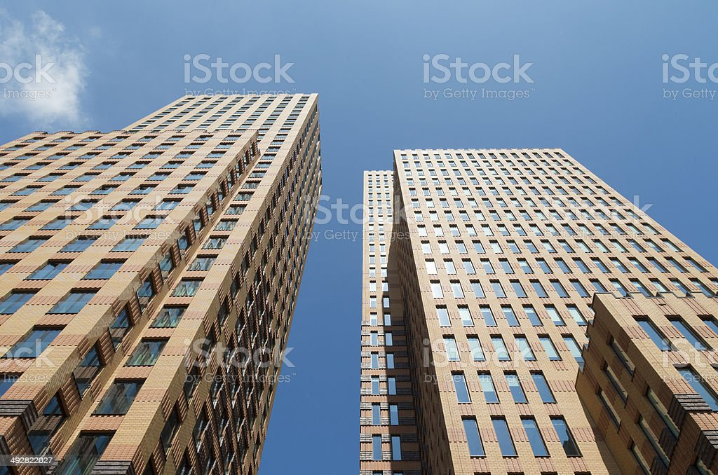 Edifício de escritórios modernos - foto de acervo