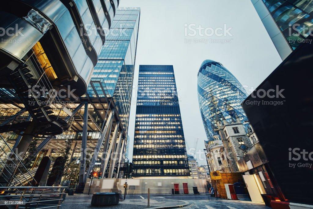 Moderne Bürogebäude in London, Großbritannien – Foto