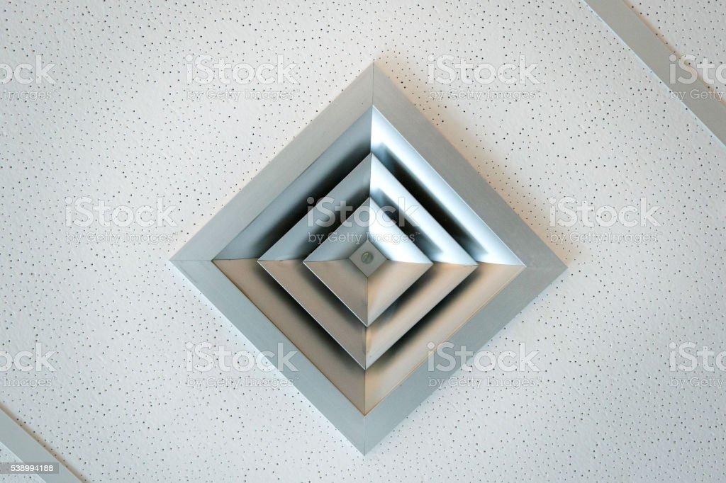 Modern Office Ceiling Ventilation for Air Conditioning System foto royalty-free