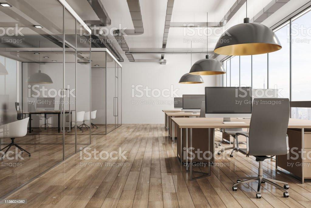 Modernes Büro-Interieur mit Blick auf die Stadt - Lizenzfrei Architektur Stock-Foto