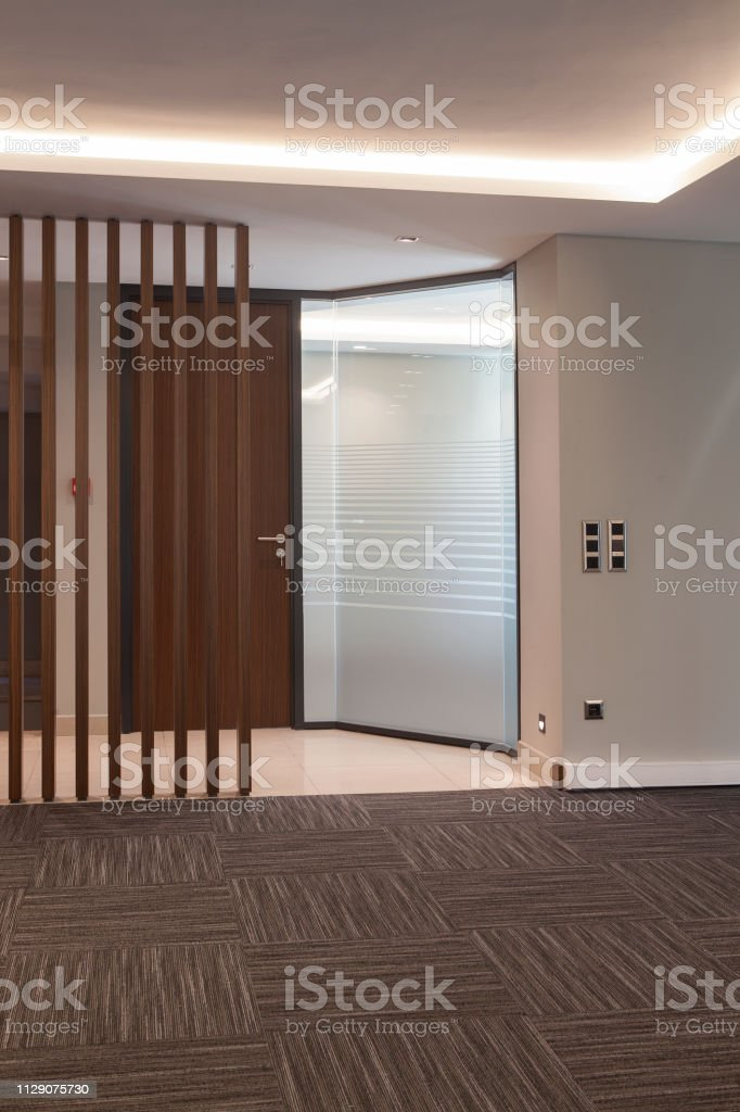 modern office vertical foto stock royalty-free