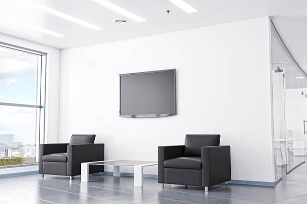 moderne büro-wartebereich mit moderner einrichtung - flüssigkristallanzeige stock-fotos und bilder