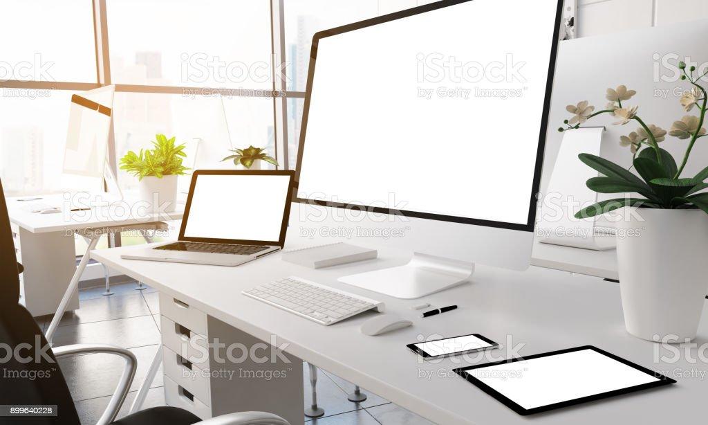 Modernen Bürogeräten weißer Bildschirm. – Foto