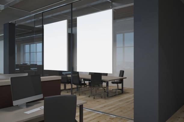 Modernes Büro mit leeren banner – Foto