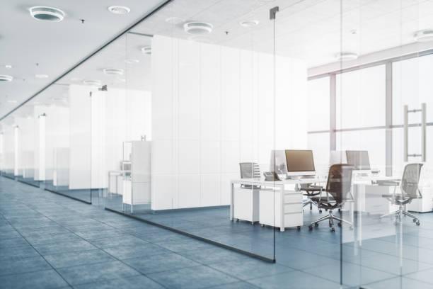 Modernes Büro mit Glasteilwände – Foto