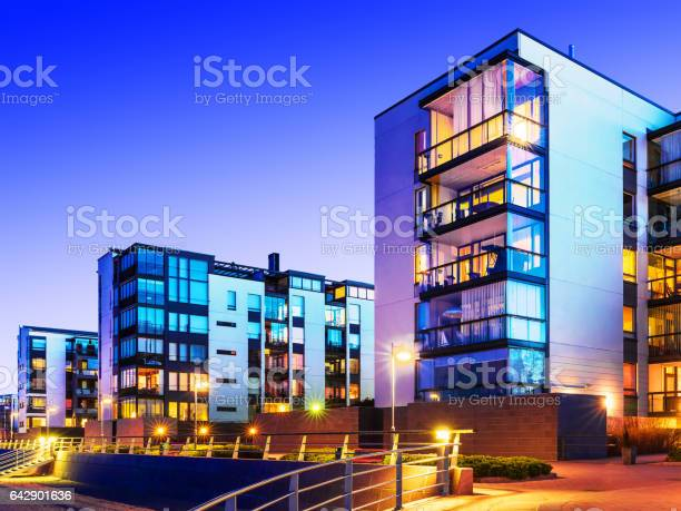 Modern real estate picture id642901636?b=1&k=6&m=642901636&s=612x612&h=mx8cl4jvzkklxpe42kbtb50wg2ubjfm 9baqbbt2td8=