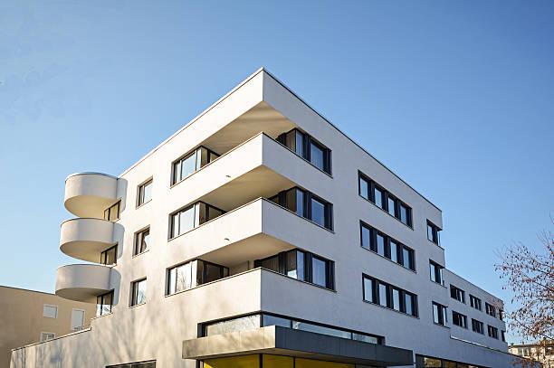 Bâtiment résidentiel moderne, la façade basse de l'énergie de la nouvelle maison - Photo