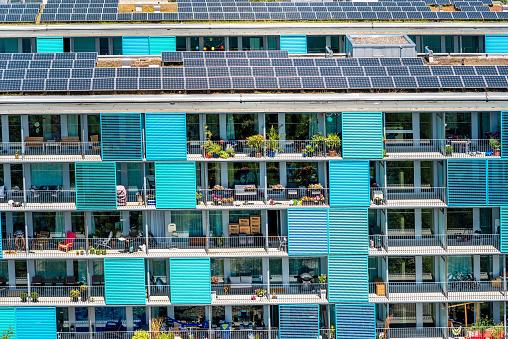 Modern Residential Building In Zurich Foto de stock y más banco de imágenes de Arquitectura exterior