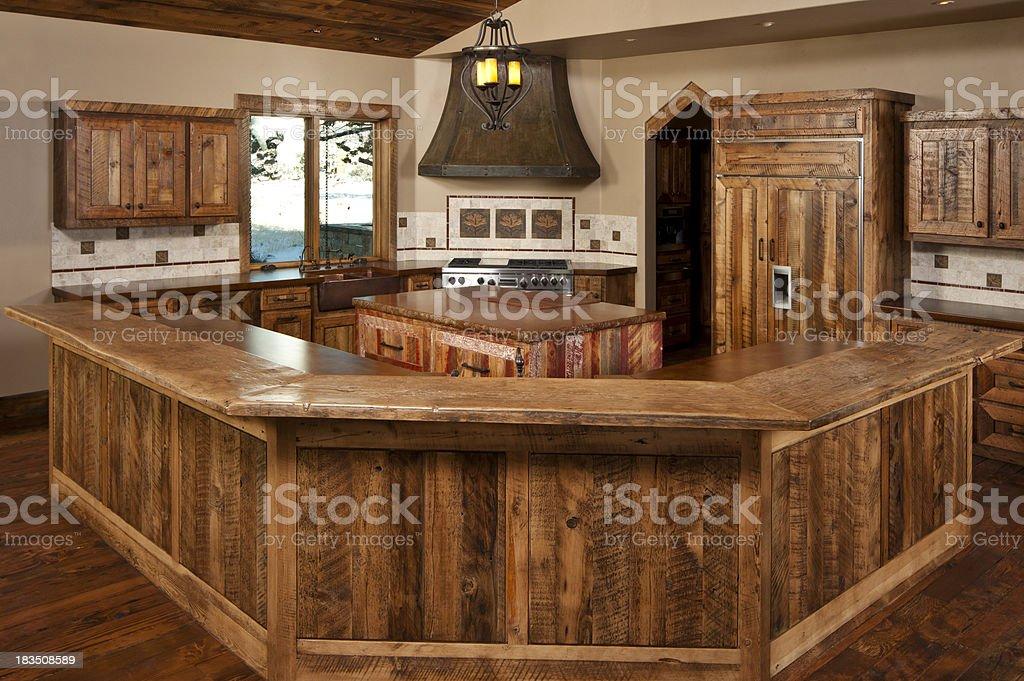 Moderne Rustikale Küche Stockfoto und mehr Bilder von Arbeitsplatte ...