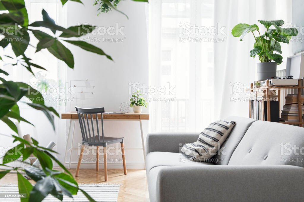 Photo libre de droit de Salon Scandinave Moderne Avec Mobilier ...