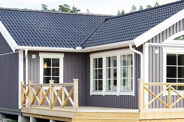 Modern scandinavian style villa bildbanksfoto