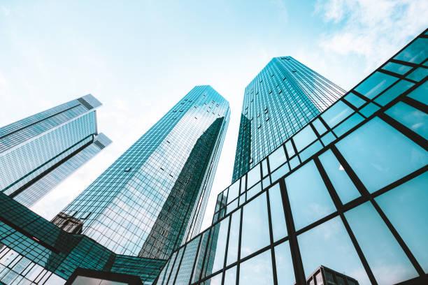 moderna sky skrapor i affärs distriktet - fönsterrad bildbanksfoton och bilder