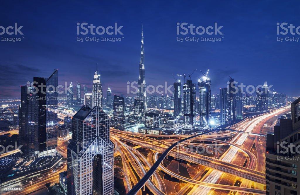 Moderne Wolkenkratzer in der Innenstadt von Dubai, Dubai, Vereinigte Arabische Emirate – Foto