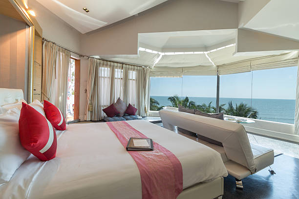 Modernen Stil Wohnzimmer mit Bett – Foto