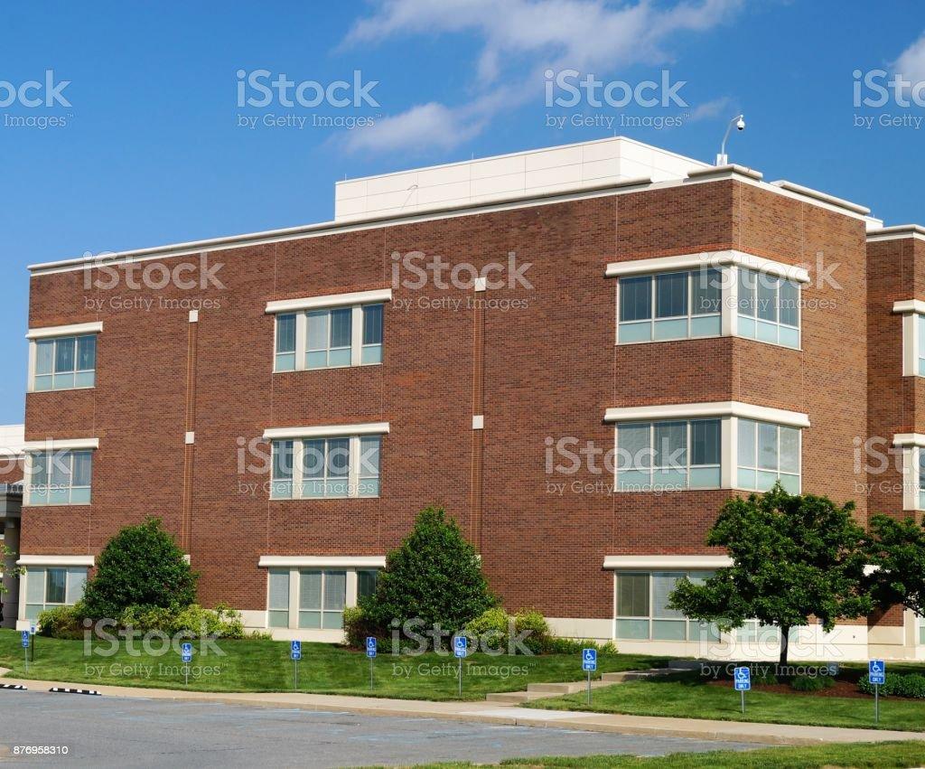 Immeuble de bureaux moderne suburban américain u2013 photos et plus d