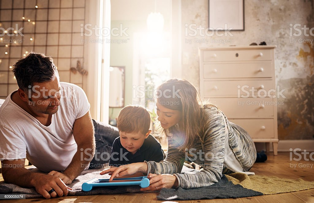 Modern technology making it easier for families to connect – Foto