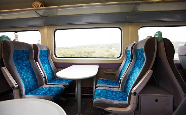modern uk train compartment - 火車車廂 個照片及圖片檔