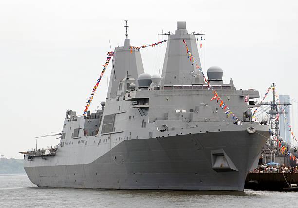 navio de guerra moderna - fragata - fotografias e filmes do acervo