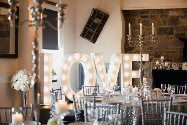 近代的な結婚式の会場 - 芸能・娯楽施設 ストックフォトと画像