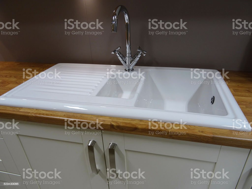 Modern White Ceramic Double Kitchensink Drainer Draining