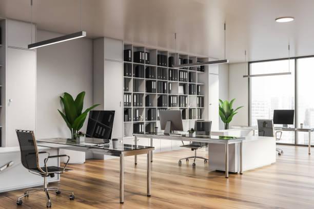 モダンな白いオフィスインテリア(家具付)。 - オフィス ストックフォトと画像