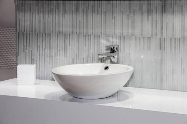 현대 흰색 싱크대 - 개수대 뉴스 사진 이미지