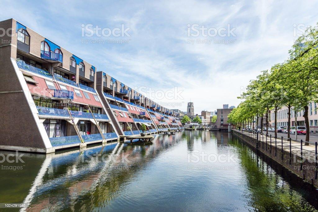 Schon Moderne Wohnhäuser Am Kanal, Architektur In Rotterdam, Niederlande Stock  Photo