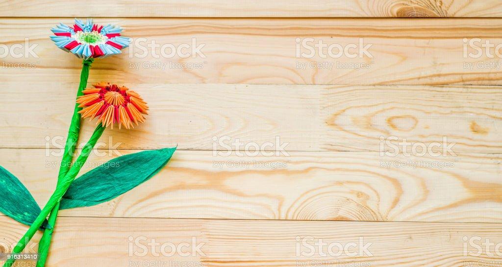 Foto De Flores De Origami Modular Em Fundo De Madeira