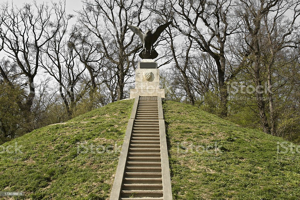 Mogila s monument - foto stock