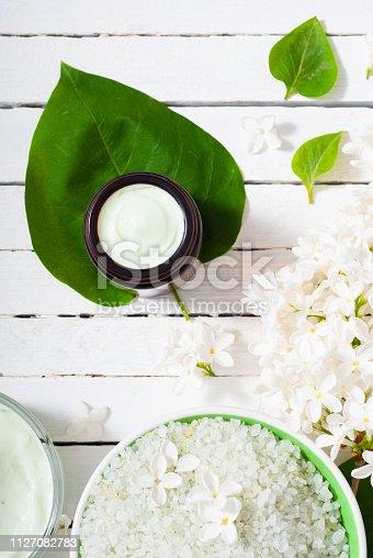 istock Moisturizer, white flowers 1127082783