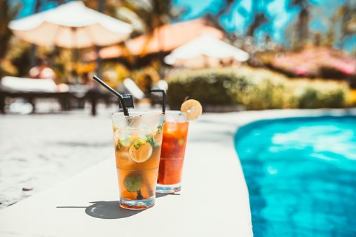 Mojito Cocktail Drink Selective Focus And Details Alcoholic Drink Refreshment At Pool Stock Photo - Download Image Now