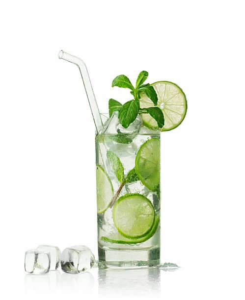 mojito cocktail - cocktails mit wodka stock-fotos und bilder