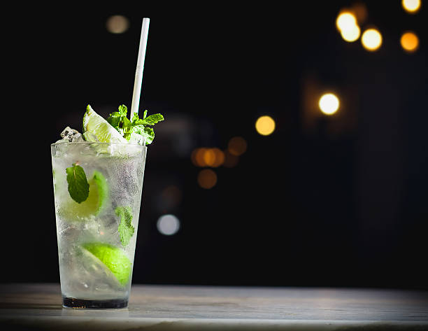 Mojito Mojito cocktail on the Bar counter. mojito stock pictures, royalty-free photos & images