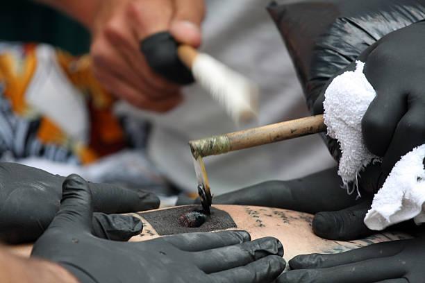tā moko - tribal tattoos stock-fotos und bilder
