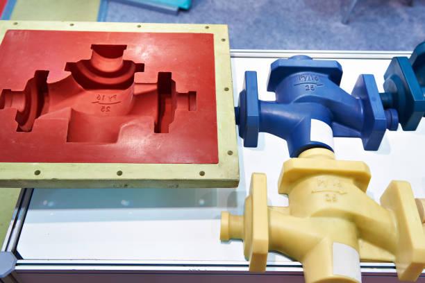 moldes e produtos plásticos - moldando - fotografias e filmes do acervo