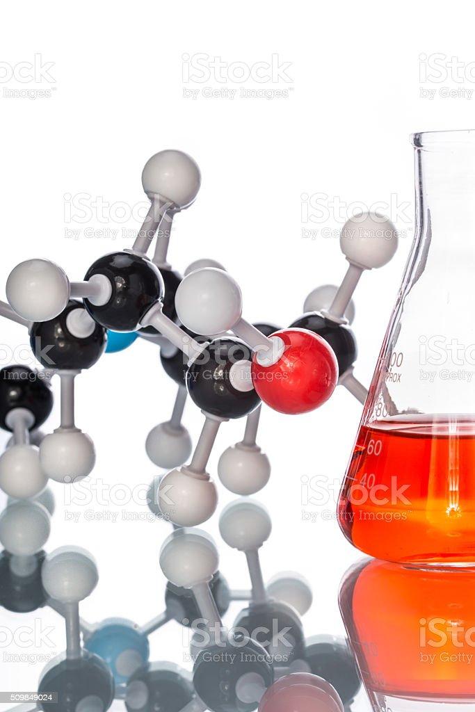 Estructura Molecular Y El Líquido En El Vaso De Precipitados