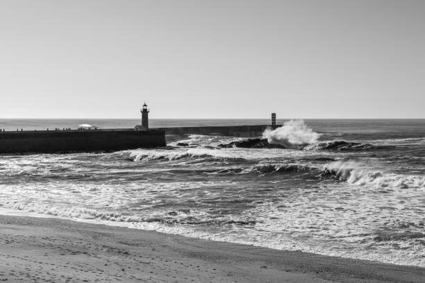 moleh to douro lighthouse on the atlantic ocean - rain clouds porto portugal imagens e fotografias de stock