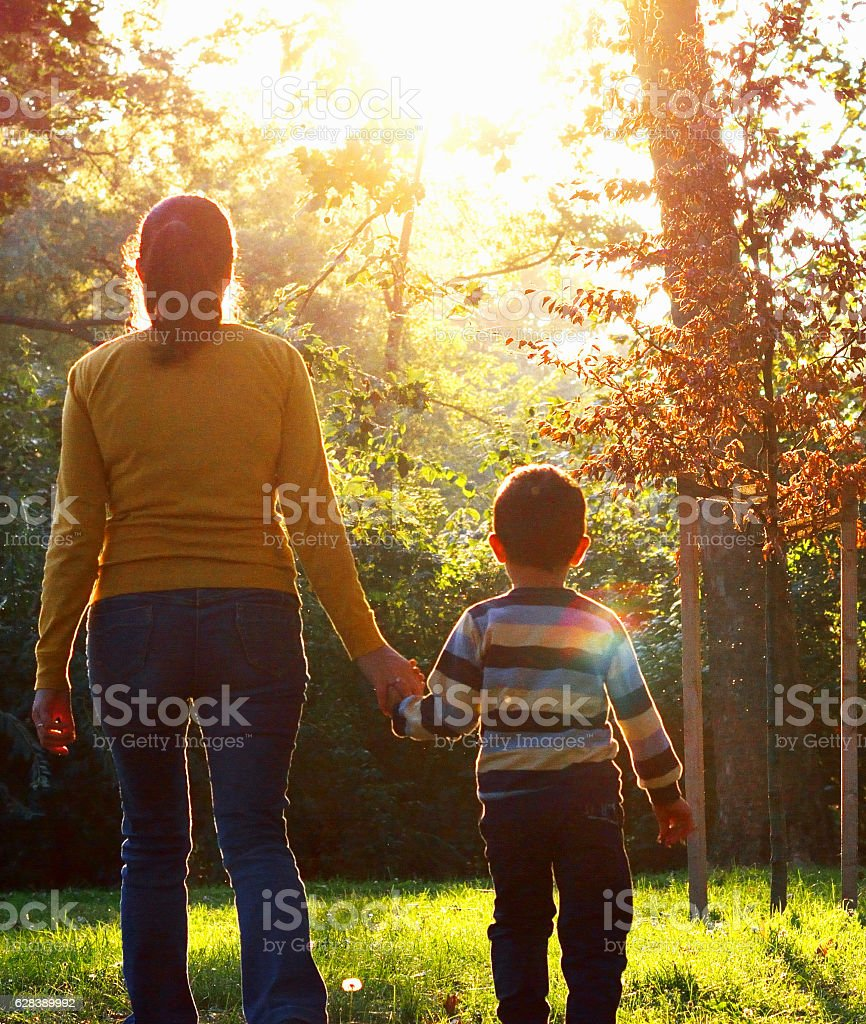Mom and Son in the Park – Foto