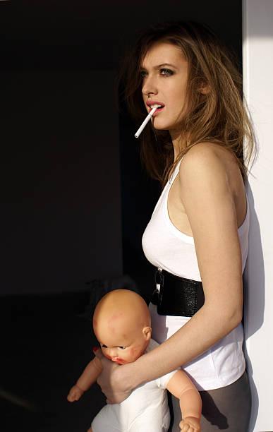Smoking Mom Porn and Sexy Nude MILF