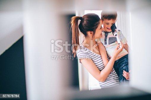 istock Mommy's little helper 527678784