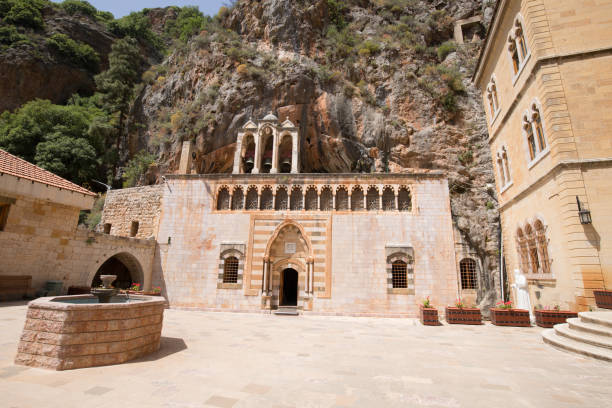Kloster des Heiligen Antonius von Qozhaya, eines der ältesten Klöster des Tals von Qadisha.  Tal von Qadisha, Libanon – Foto