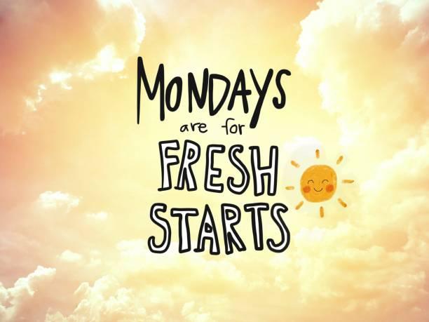 måndagar är för färska börjar ord bokstäver och sol leende på gyllene himmel bakgrund - happy driver bildbanksfoton och bilder