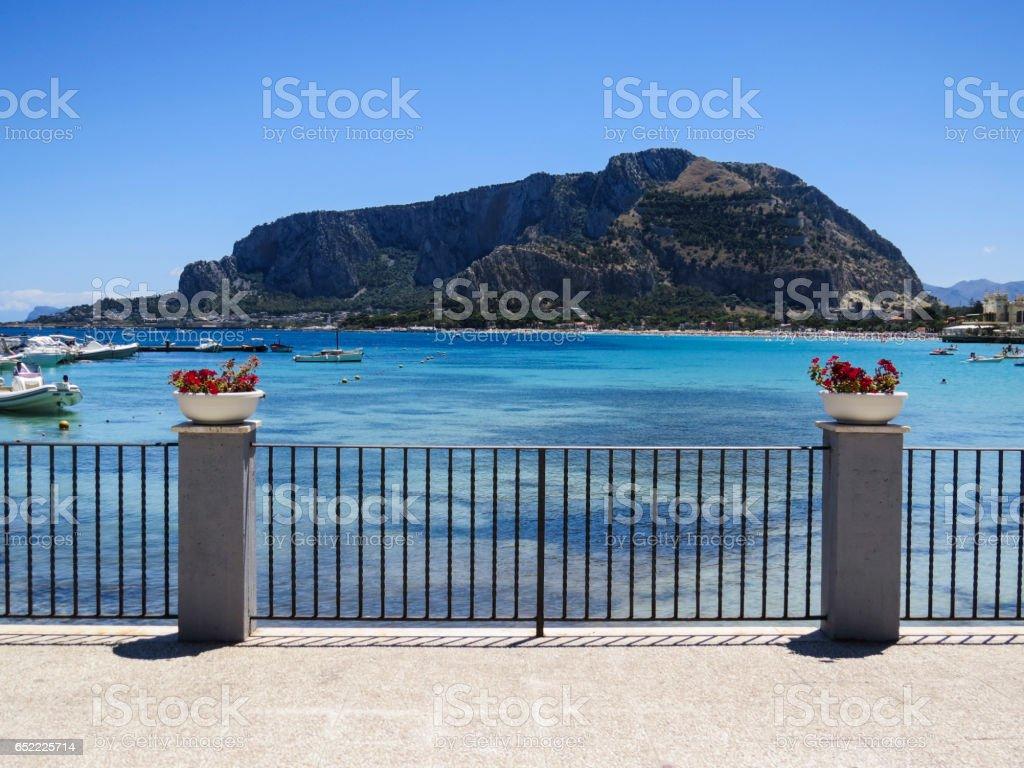 Mondello Sicilia Italia Terrazza Sul Mare Turchese Stock Photo ...