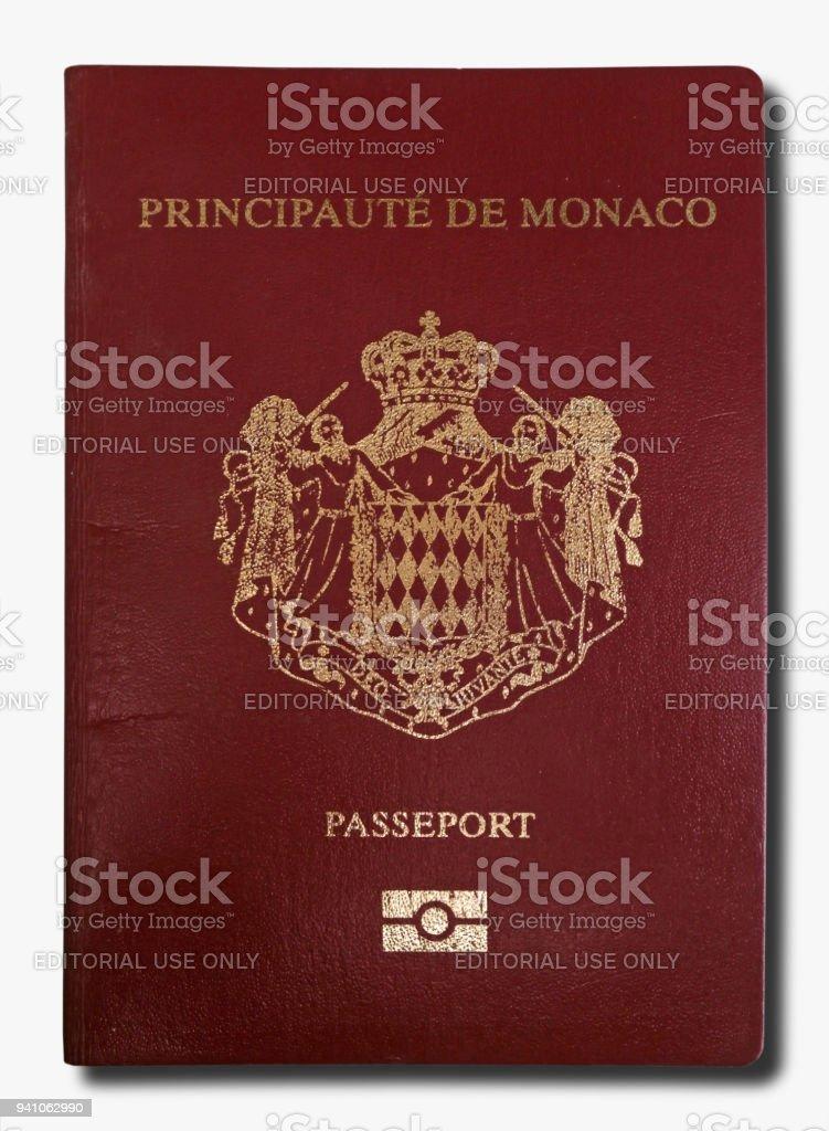 Passeport monégasque isolé sur fond blanc - Photo
